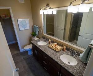 Bluhawk Apartments - Bathroom